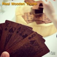 木製のトランプ