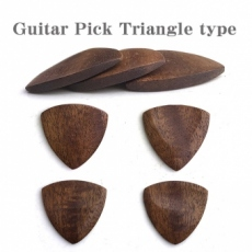 木製のギターピック トライアングル型 (1枚)