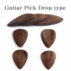 木製のギターピック ティアードロップ型 (1枚)