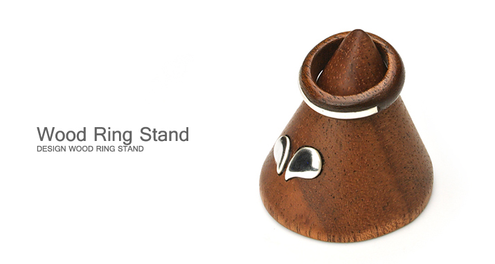 ring stand with silver/木製リングスタンド(シルバー入り)トップ